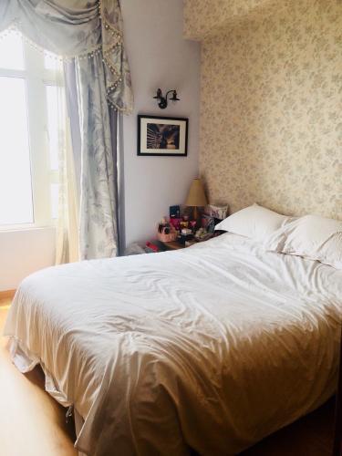 Phòng ngủ  căn hộ Saigon Pearl Căn hộ Saigon Pearl đầy đủ nội thất phong cách hoàng gia, cổ điển.