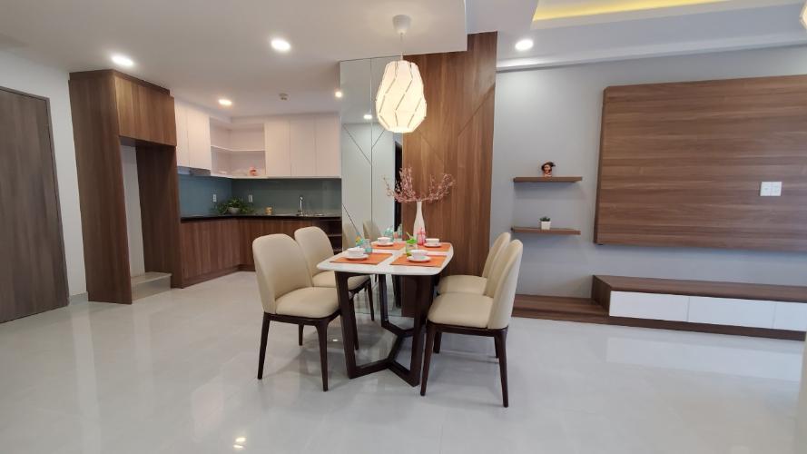 Bếp Saigon South Residence  Căn hộ Saigon South Residence tầng cao, đầy đủ nội thất tinh tế.