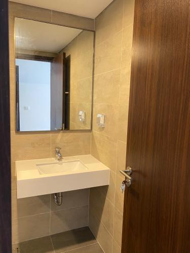Phòng tắm One Verandah Quận 2 Căn hộ One Verandah tầng cao, nội thất cơ bản.