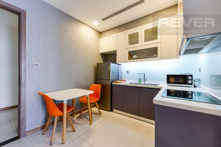 Bếp bán và cho thuê căn hộ Vinhomes Central Park tầng cao, 1PN, đầy đủ nội thất