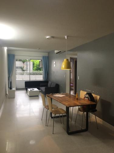 Cho thuê căn hộ Lexington Residence 2PN, tháp LC, đầy đủ nội thất, view hồ bơi