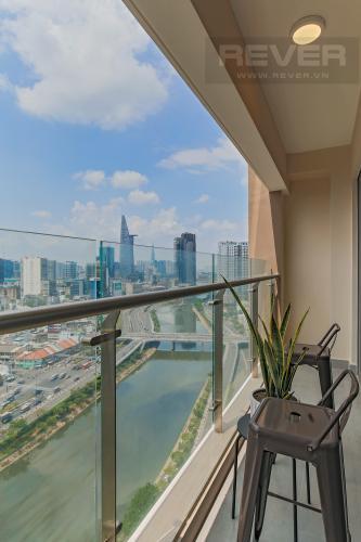 Balcony Bán hoặc cho thuê căn hộ Masteri Millennium tầng cao, 3PN 2WC, đầy đủ nội thất, view sông và Bitexco