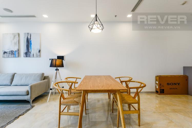 Bàn ăn Căn hộ Vinhomes Golden River 2 phòng ngủ tầng trung A2 view sông