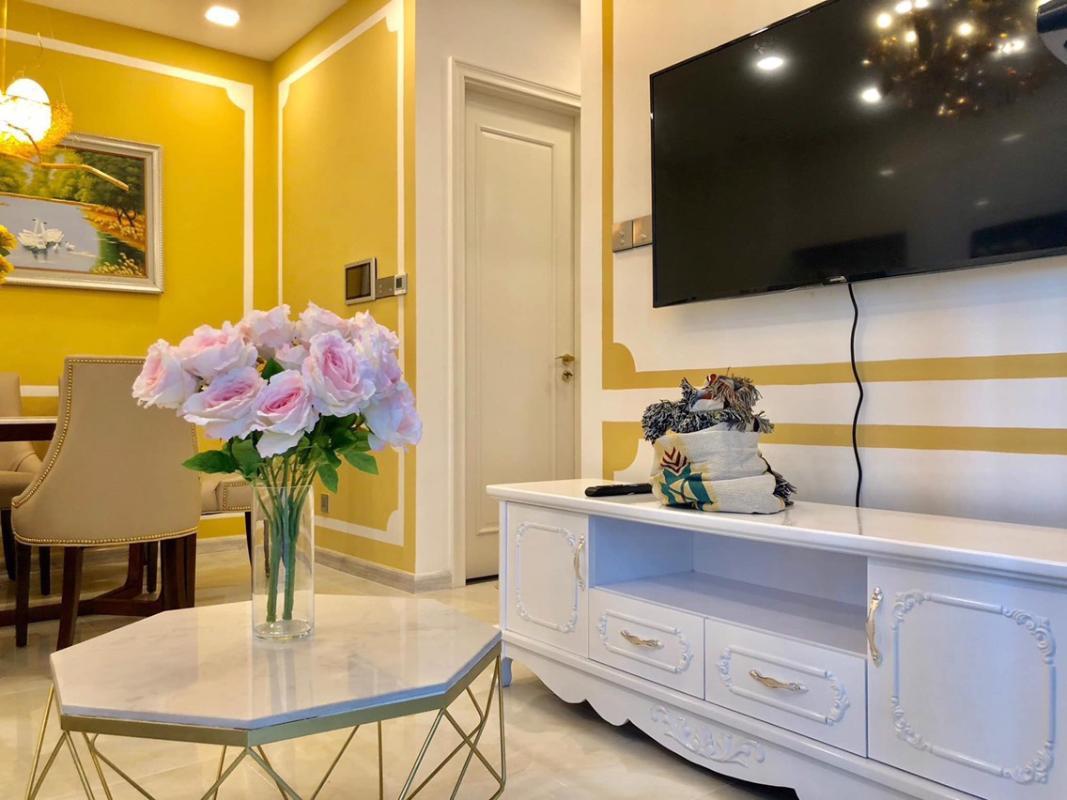 1571452594660 Bán hoặc cho thuê căn hộ Vinhomes Golden River 2PN, đầy đủ nội thất, view sông Sài Gòn và bán đảo Thủ Thiêm