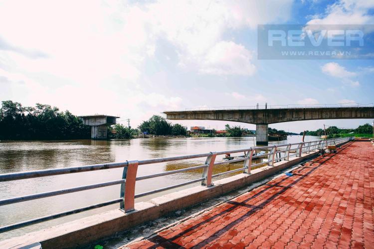 Bờ kè Bán 680 m2 đất hai mặt tiền, ven sông, vuông vức ở Đào Sư Tích, Phước Kiển, Nhà Bè