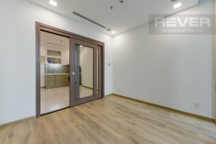 Phòng ngủ Căn hộ Vinhomes Central Park tháp Landmark 81, 1PN, view hồ bơi