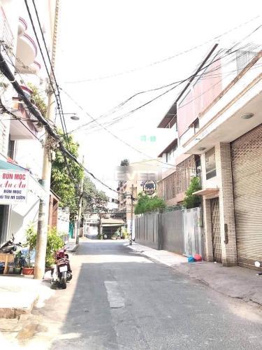 Hẻm nhà phố đường Lý thường Kiệt, Quận 11 Nhà phố diện tích đất 28m2, hẻm xe hơi rộng 6m thông thoáng.