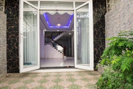 Bán nhà phố 4 tầng đường Nguyễn Trung Nguyệt, Q2, diện tích đất 186m2, cách đường Nguyễn Duy Trinh 150m