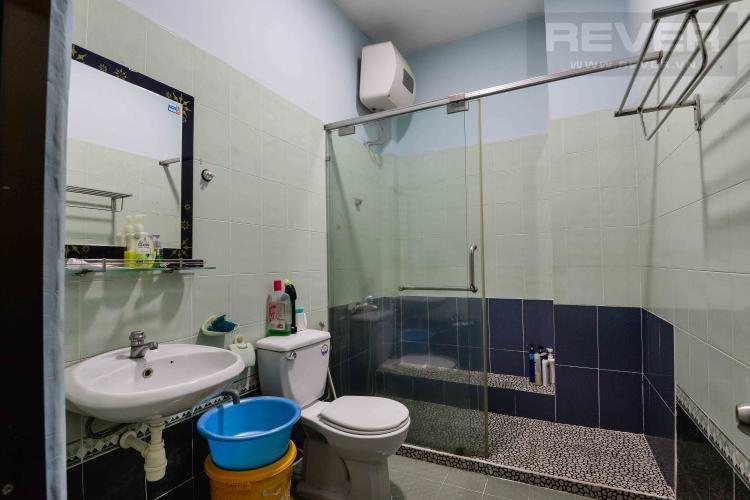 Toilet 1 Cho thuê nhà đường Quốc Hương, 2 lầu 4PN 3WC, hướng Đông Bắc, đầy đủ nội thất