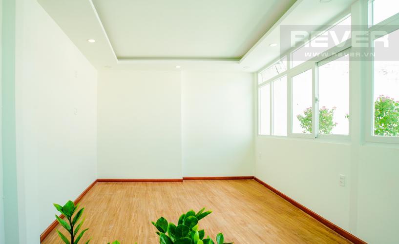 Phòng Ngủ Tầng 3 Bán nhà phố đường Huỳnh Văn Bánh 43.8m2, 3 lầu 5PN 4WC, view khu dân cư