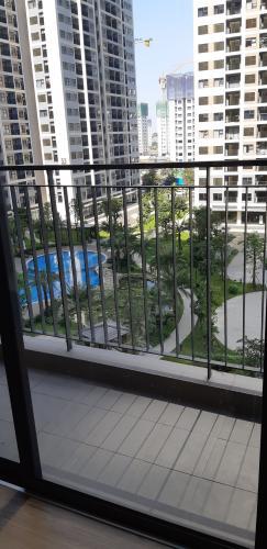 Ban công căn hộ Vinhomes Grand Park Căn hộ Vinhome Grand Park đầy đủ tiện nghi, cửa chính hướng Tây Nam.
