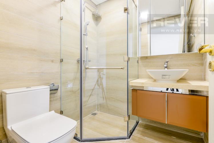 Phòng tắm 1 Bán căn hộ Vinhomes Golden River tầng cao, 2PN view sông, nội thất cơ bản