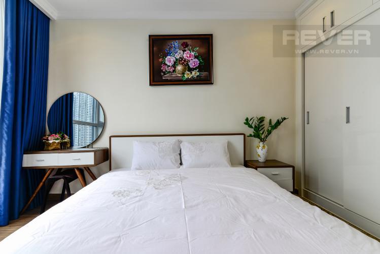 Phòng Ngủ 1 Cho thuê căn hộ Vinhomes Central Park tầng cao 2PN 2WC, đầy đủ nội thất tiện nghi