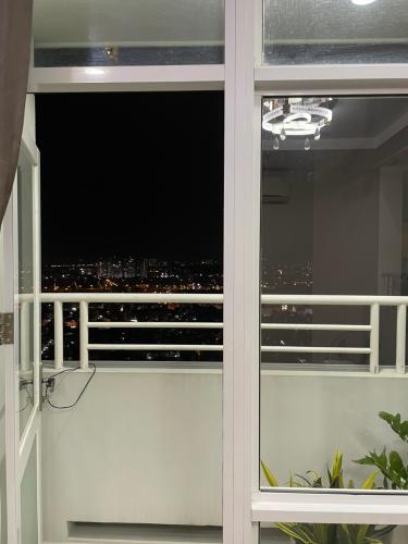 Ban công căn hộ Him Lam Chợ Lớn, Quận 6 Căn hộ Him Lam Chợ Lớn hướng Đông Nam, view thành phố tầng cao.