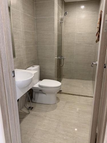Phòng tắm căn hộ Vinhomes Grand Park Căn hộ Vinhomes Grand Park thiết kế sang trọng, không nội thất.