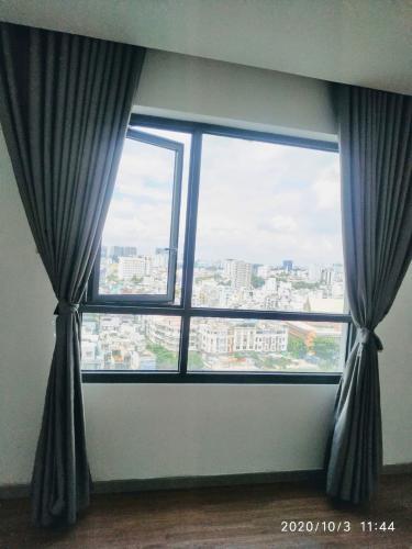 Phòng ngủ The Gold View, Quận 4 Căn hộ The Gold View tầng trung, đón view sông Sài Gòn mát mẻ.