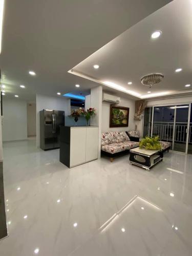 Căn hộ Sunrise City tầng 28 ban công thoáng mát nội thất đầy đủ hiện đại