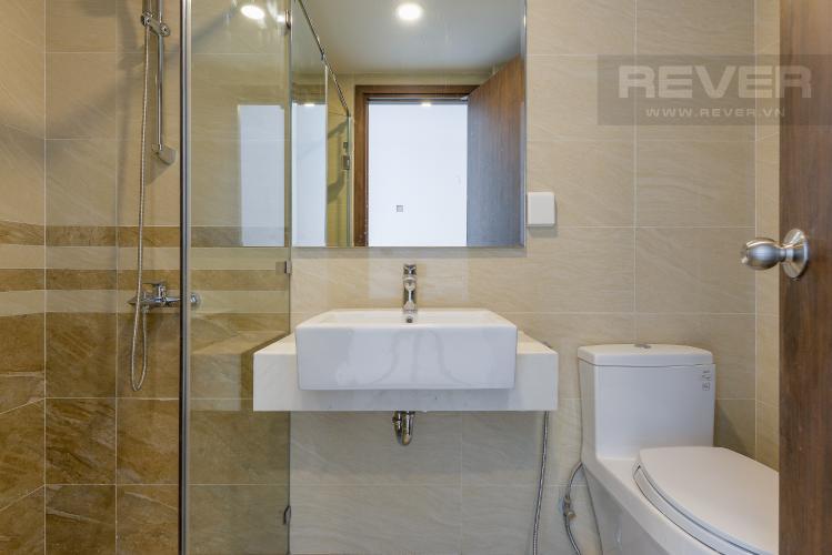 Phòng Tắm Bán hoặc cho thuê căn hộ Officetel tháp B Saigon Royal 1PN, diện tích 35m2