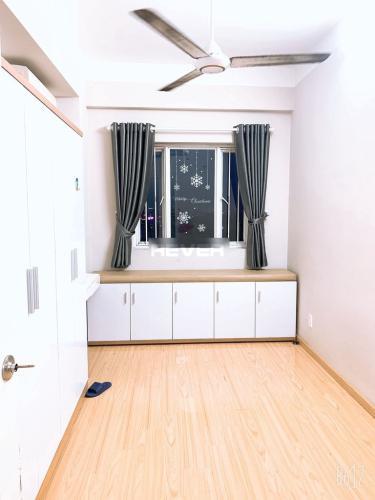 Căn hộ chung cư Nhất Lan nội thất cơ bản, view thành phố.
