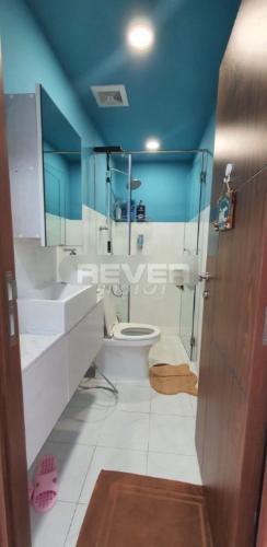 Phòng tắm chung cư Viva Riverside, quận 6 Căn hộ Viva Riverside thiết kế trẻ trung, nội thất hiện đại.