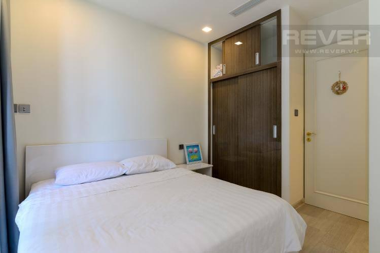 Phòng ngủ căn hộ VINHOMES GOLDEN RIVER Bán căn hộ Vinhomes Golden River 1PN, tầng 6, đầy đủ nội thất, ban công Đông Bắc