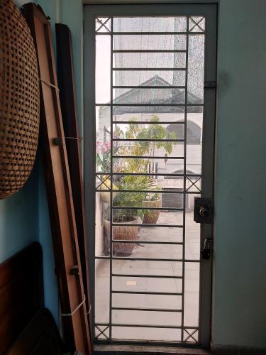sân thượng nhà phố Phú Nhuận Bán nhà 4 tầng hẻm Phan Đình Phùng, Phú Nhuận, sổ hồng, cách chợ Phú Nhuận 400m