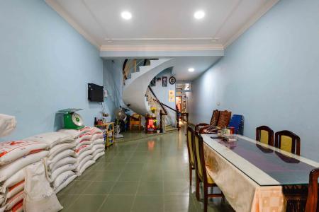 Cho thuê nhà đường Quốc Hương, 2 lầu 4PN 3WC, hướng Đông Bắc, đầy đủ nội thất