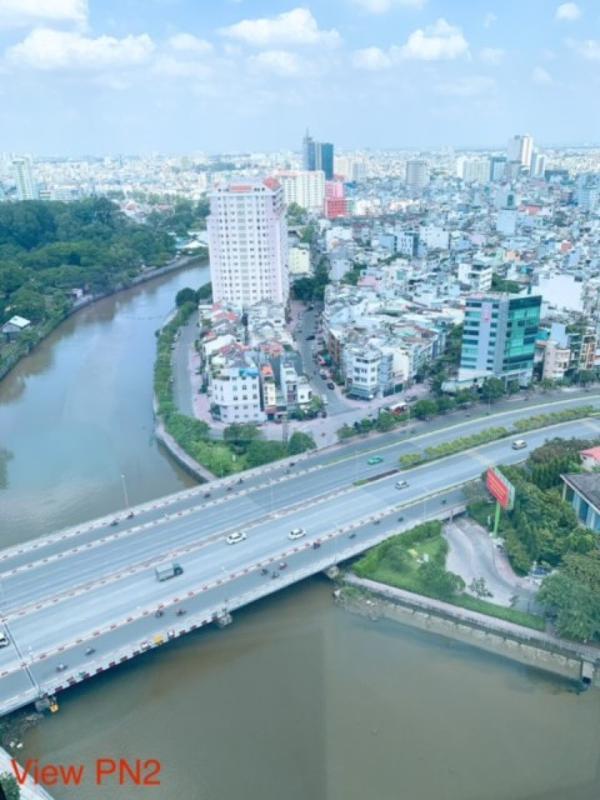 6 Bán căn hộ Vinhomes Golden River 2PN, tầng trung, đầy đủ nội thất, view sông và thành phố