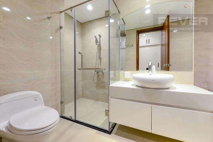 phòng tắm 1 Căn góc Vinhomes Central Park tầng cao C1 view trực diện sông