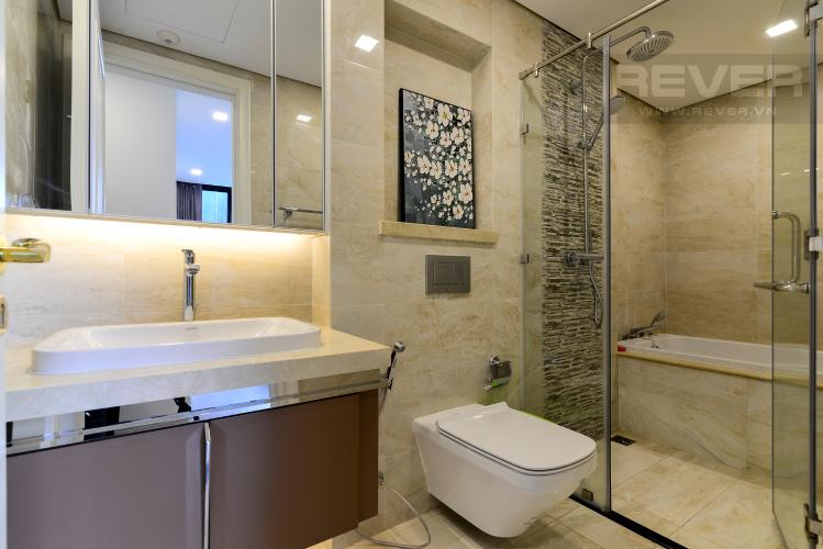 Phòng Tắm 2 Cho thuê căn hộ Vinhomes Golden River 2PN, tầng thấp, tháp The Aqua 3, đầy đủ nội thất, view sông thoáng mát