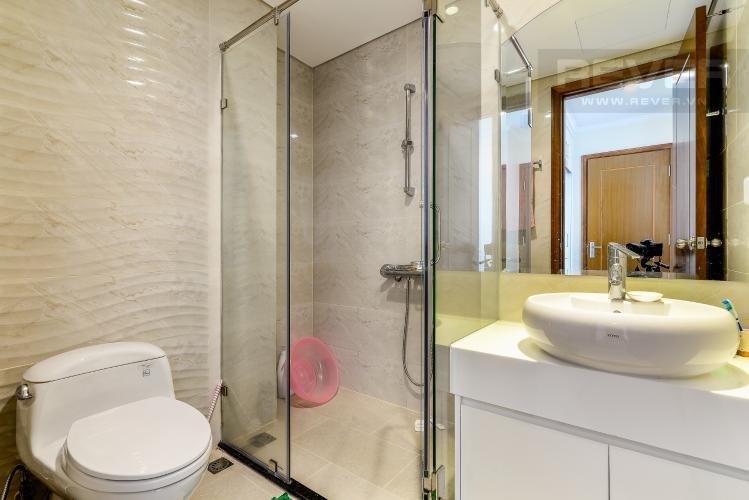 Phòng Tắm 2 Căn hộ Vinhomes Central Park tầng trung 3PN đầy đủ nội thất, view hồ bơi