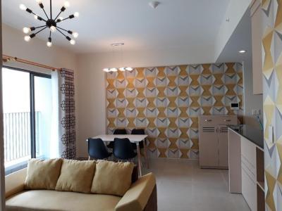 Bán hoặc cho thuê căn hộ Masteri Thảo Điền 2PN, tầng cao, đầy đủ nội thất, view hồ bơi và Xa lộ Hà Nội