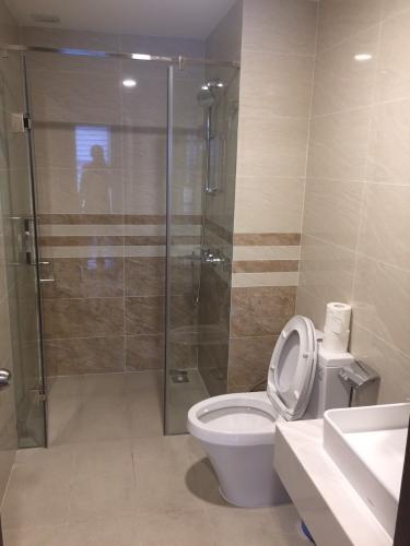 Toilet Saigon Royal, Quận 4 Căn hộ Saigon Royal view thoáng mát, ban công hướng Tây Bắc.