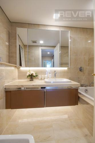 Phòng Tắm 3 Cho thuê căn hộ Vinhomes Golden River 4PN, tầng cao, đầy đủ nội thất, view trực diện sông Sài Gòn
