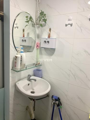 Phòng tắm nhà phố Trần Quang Khải, Quận 1 Nhà phố quận 1 hướng Tây, nội thất mới, thiết kế hiện đại.