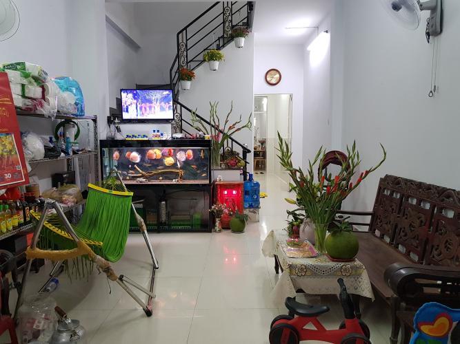 Phòng khách nhà phố Đỗ Quang, Quận 2 Nhà phố mặt tiền quận 2, sổ hồng riêng, nội thất cơ bản.