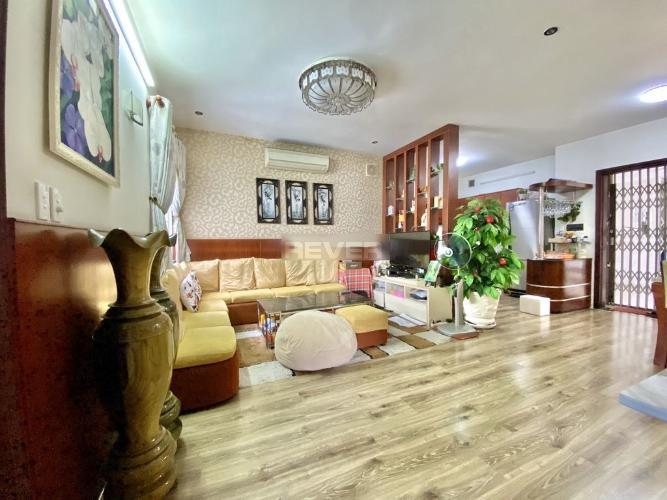 Căn hộ Phú Thạnh Apartment hướng Bắc nội thất cơ bản, view thoáng mát.