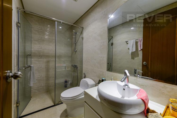 Phòng tắm 1 Cho thuê căn hộ Vinhomes Central Park tầng trung, tháp Landmark 2, đầy đủ nội thất