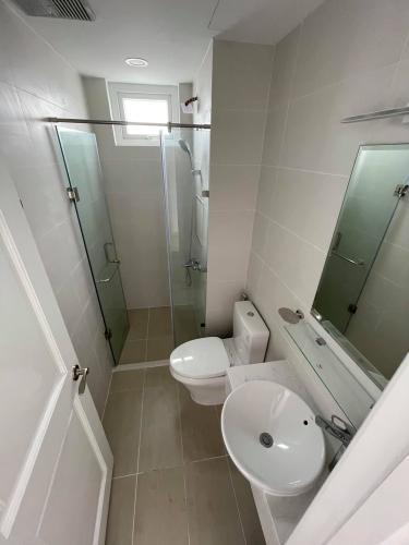 Toilet Saigon Mia, Bình Chánh Căn hộ Saigon Mia hướng Đông, nội thất cơ bản.