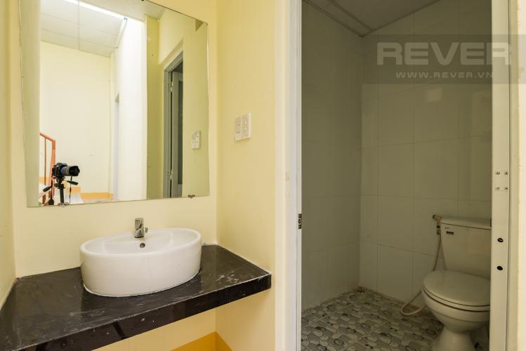 Phòng tắm 3 Cho thuê nhà đường Phạm Ngũ Lão, 2 tầng, diện tích rộng rãi