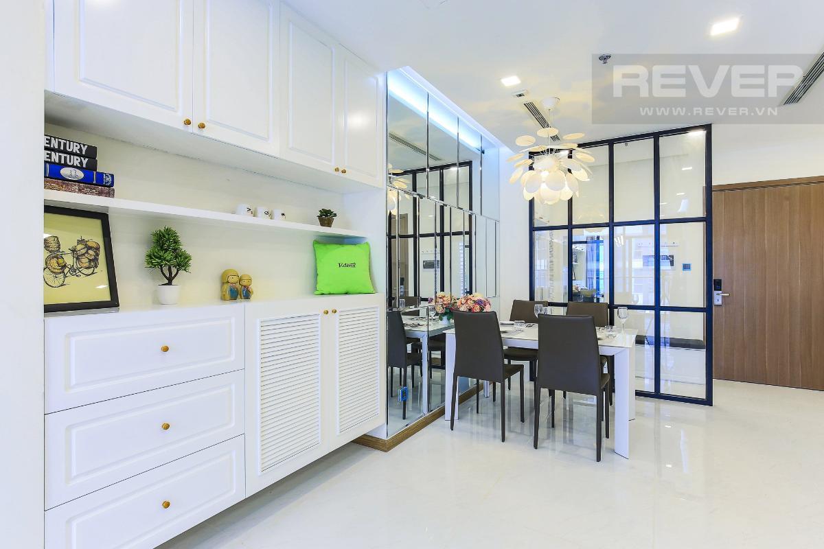 525d4ec5bb985dc60489 Cho thuê căn hộ Vinhomes Central Park 2 phòng ngủ, tháp Park 4, đầy đủ nội thất, hướng Tây