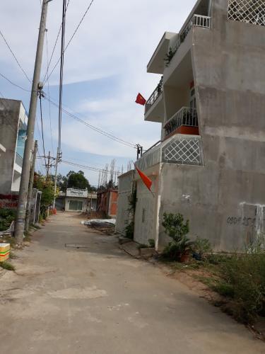 Bán đất nền đường Võ Văn Hát, phường Long Trường, Quận 9, diện tích đất 53.2m2, sổ hồng có sẵn