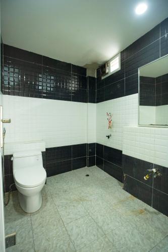 Phòng tắm nhà phố Quận 1 Nhà phố trung tâm Quận 1 khu phố an ninh yên tĩnh, hướng Bắc.