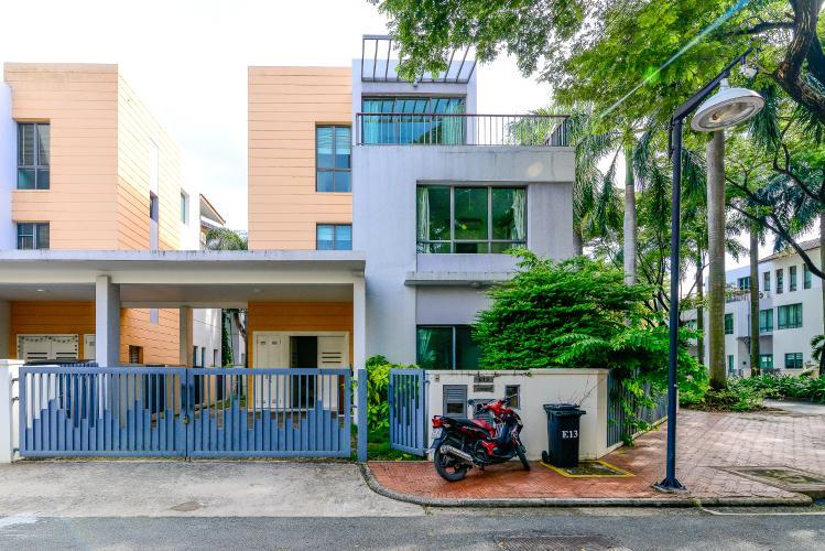 Cho thuê villa 3 tầng, 5PN, đường Giang Văn Minh, khu villa Riviera Quận 2, nội thất cơ bản, có sân vườn