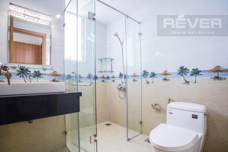 Phòng Tắm 2 Bán hoặc cho thuê căn hộ Sunrise CityView 3PN, đầy đủ nội thất, view hồ bơi thoáng mát
