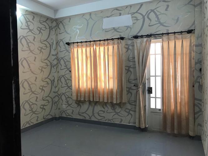 Phòng ngủ nhà phố đường Huỳnh Tấn Phát, Quận 7 Nhà phố hướng Tây Bắc diện tích 4mx16m, hẻm xe hơi.