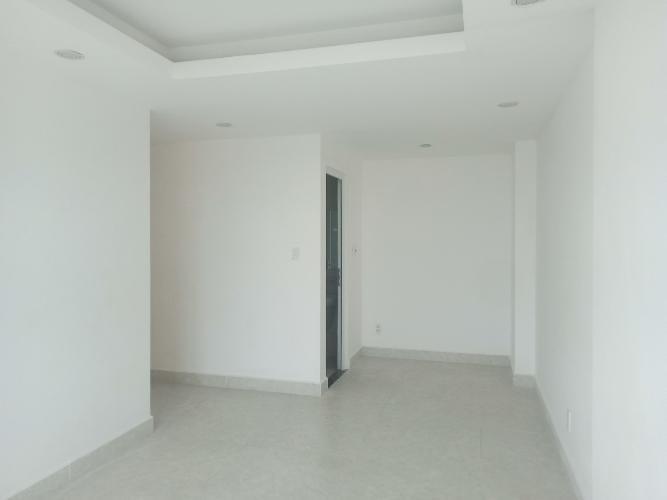 Căn hộ Penthouse nội thất cơ bản Đạt Gia Residence thoáng mát.