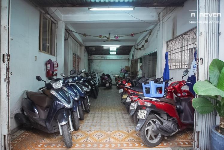 Tầng trệt nhà phố Phú Nhuận Bán nhà mặt tiền đường Phan Đăng Lưu, Phú Nhuận, hướng Đông Bắc, cách công viên Phú Nhuận 70m