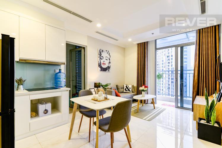 Phòng Khách Căn hộ Vinhomes Central Park 2 phòng ngủ tầng cao L2 hướng Tây Nam