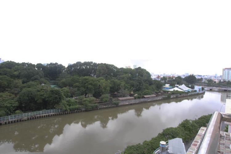 Chung cư Nguyễn Ngọc Phương - View-nhin-ve-duong-bo-ke